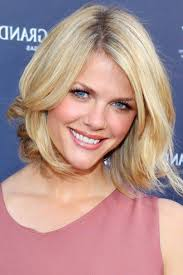 top medium length hairstyles medium length hairstyles for oval faces
