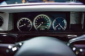 rolls royce steering wheel 2018 rolls royce phantom viii gives opulence a high tech reboot