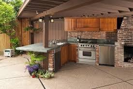briques cuisine cuisine d ete en bois briques four frigo lzzy co