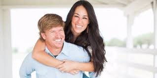 where do chip and joanna live how fixer upper s chip and joanna gaines decided to leave hgtv