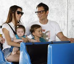 Seeking Johnny Knoxville Johnny Knoxville Takes His Family On An Adventure To The Farmer S