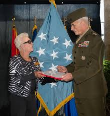 Why Is The American Flag Backwards On Uniforms Mother Receives Moh Flag Recognizing Son U0027s Vietnam Actions