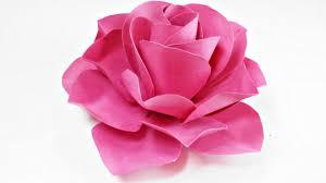 cara membuat bunga dengan kertas hias begini cara membuat bunga dari kertas kado yang praktis elevenia blog