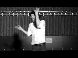 Thom Yorke Meme - dancing thom yorke does twin peaks midget dance