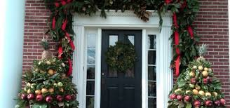 Christmas Decorations For Outdoor Railings by Great Railing Home Improvement Projects And Ideas Diy Design