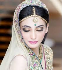 Red Bridal Dress Makeup For Brides Pakifashionpakifashion Fullonshaadi Indian Bridal Accessories 10 Best Maang Tikka