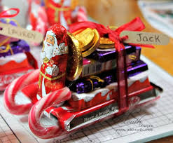 christmas table favors to make 18 simple fillers that you can make chocolate santa