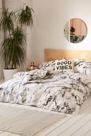 Black And White Bed by Best 20 Black Bedding Ideas On Pinterest Black Bedroom Decor
