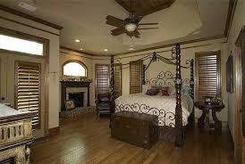 Split Master Bedroom Split Bedrooms Photos And Video Wylielauderhouse Com