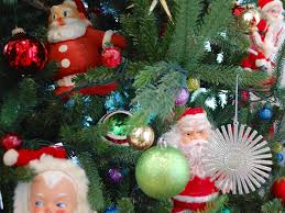 oh christmas tree decorating with vintage santa claus dolls