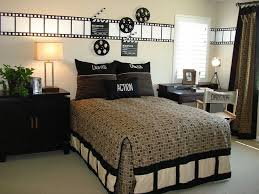 hollywood themed bedroom boy s room movie reels movie and room