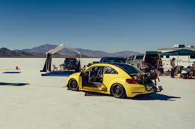 volkswagen ads 2014 pushing a 2014 volkswagen beetle gsr past 205 mph on the