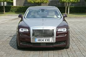 roll royce maroon fourtitude com rolls royce ghost series ii unveiled delivering