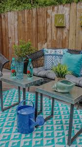 Blue Outdoor Cushions Spray Paint Fixes Everything Diy Patio Furniture Makeover