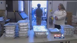 local restaurant feeds thousands for thanksgiving kfve k5