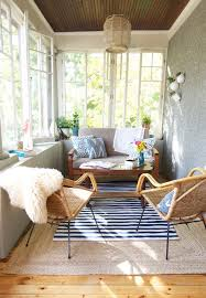 Best 25 Screened Porch Decorating by Best 25 Enclosed Porch Decorating Ideas On Pinterest Outdoor
