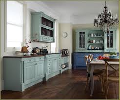 Behr Paint For Kitchen Cabinets Gorgeous Cream Antiqued Kitchen Cabinets 17 Diy Antique Cream