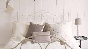 chambre ambiance romantique ambiance romantique dans chambre blanche dulux