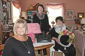 Cottages In Niagara Falls by Sisters Cousin Open Confetti Cottage In Falls Local News