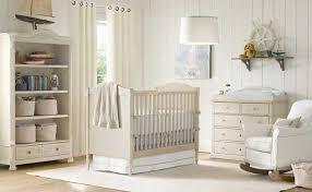 chambre bébé bois naturel la chambre bébé lambris habillez vos murs de panneaux de bois