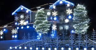 christmas light show toronto insane holiday light show makes frozen fans everywhere happy