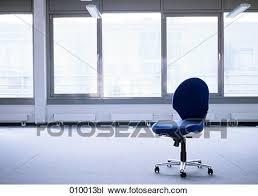 bureau vide banque de photo bureau vide chaise dans abandonné espace