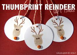 thumbprint reindeer family crafts