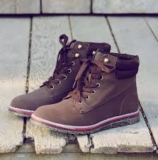 womens boots that feel like sneakers best 25 boots ideas on shoes boots
