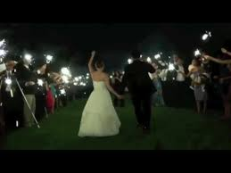 sparklers for weddings wedding sparklers the original wedding sparkler company