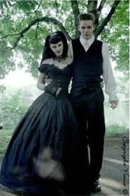 robe de mari e gothique de mariee gothique romantique