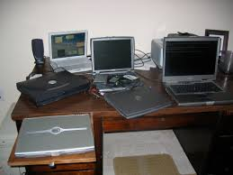 Laptops Desk File Laptops Jpg Wikimedia Commons