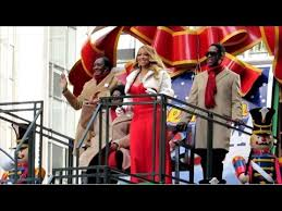 macy s thanksgiving day parade floats performers 2015