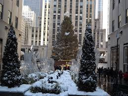 christmas time in new york best travel tips