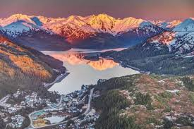 Alaska mountains images 15 mountain towns in alaska that are straight out of a storybook jpg