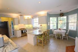 White Cabinets In Kitchen This Is A Remodeled Kitchen Hci Did In Gainesville Fl The