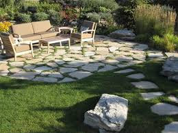 Flagstone Ideas For A Backyard Outdoor Landscaping Flagstone This Irregular Flagstone Patio Is