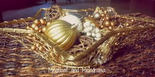 Gold Christmas Centerpieces - thrifty christmas centerpiece meatloaf and melodrama