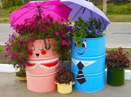 creative recycling ideas for your garden tacky yard decor