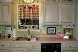 how to paint kitchen cabinets rustic painting kitchen cabinets rustic white