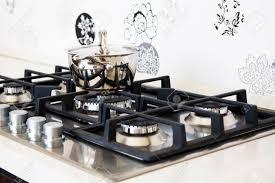 cuisine avec gaziniere cuisine coin cuisine avec cuisinière à gaz et le mur de tuiles