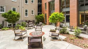 455 eye street apartments now leasing in mt vernon triangle alt 455 eye street apartments courtyard