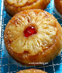 table for 2 or more upside down individual pineapple cakes 2