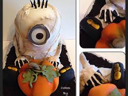 halloween cake fondant mummy minion halloween cake cakecentral com