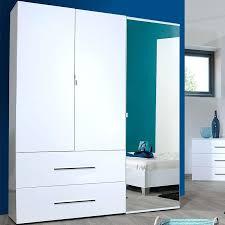 meuble chambre blanc laqué chambre laque blanc brillant armoire 3 portes battantes 2 tiroirs