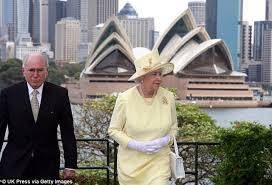 Queen Elizabeth Shooting Malcolm Turnbull Meets Queen Elizabeth In London Daily Mail Online
