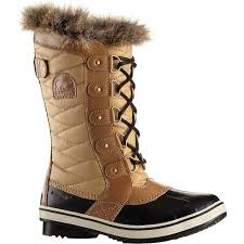 womens boots for s insulated boots warm winter boots moosejaw com