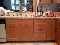 drawer pulls and knobs for kitchen cabinets 7 best kitchen cabinet handle placement images on pinterest