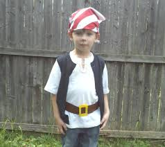 quick and easy pirate costumes take kids to neverland caribbean