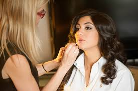 makeup artist in nj nj makeup artist jones baskin adding the finishing touches to