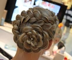 flower hair bun tutorial for this braided flower bun so